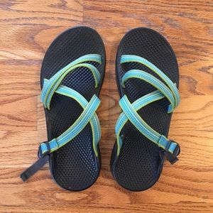 Women's Chaco Sandals size 7, excellent condition!